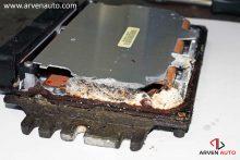 Диагностика электронного блока управления, почти всегда, требует его разборки.