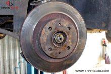 Так выглядит тормозной диск, на котором отработал один комплект тормозных колодок.