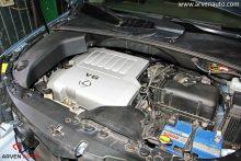 Замена свечей зажигания на V-образном двигателе дело хлопотное. Дальше мы покажем, как они расположены.